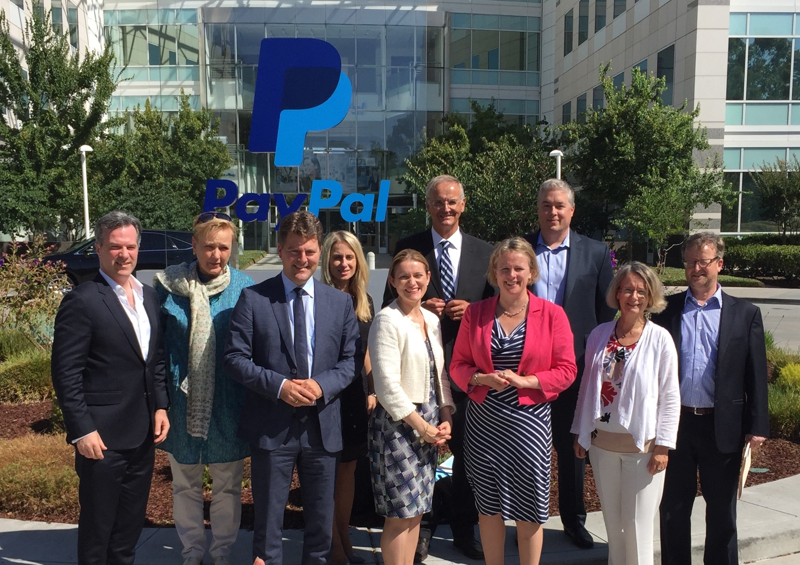 PayPal had the pleasure to welcome MEPs Vicky Ford (UK, IMCO Chair), Catherine Stihler (UK, IMCO Vice-Chair), Dita Charanzová (Czech Republic), Evelyne Gebhardt (Germany), Andreas Schwab (Germany), Róża Gräfin von Thun und Hohenstein (Poland) and Lambert van Nistelrooij (Netherlands).
